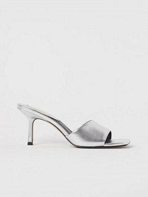 H&M Slip in-sandaletter i läder silver