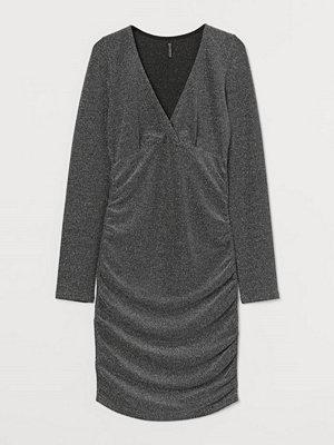 H&M Klänning i velour grå