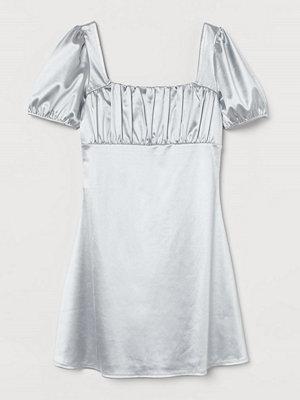 H&M Klänning med puffärm grå