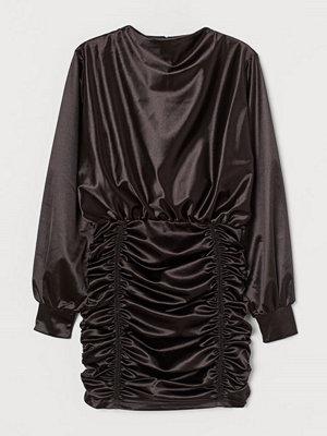 H&M Draperad klänning svart
