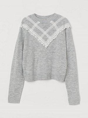 H&M Tröja med spetsdetaljer grå