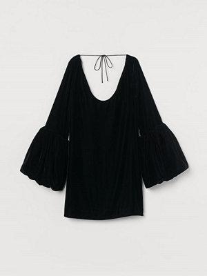 H&M Kort sammetsklänning svart