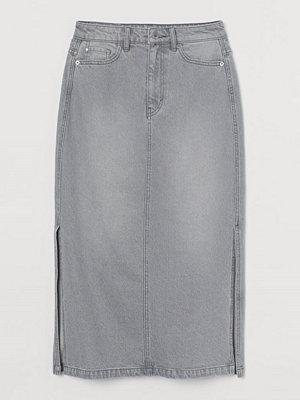 H&M Knälång jeanskjol grå