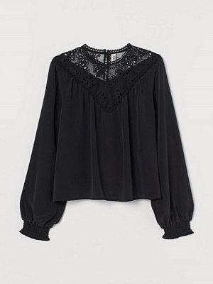 H&M Blus med spetsok svart
