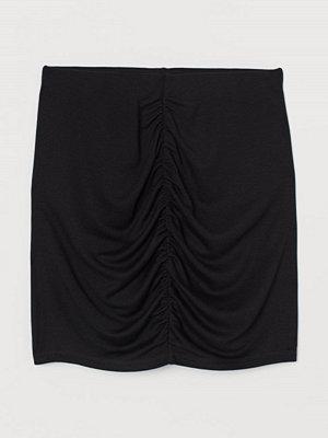 H&M Draperad kjol svart