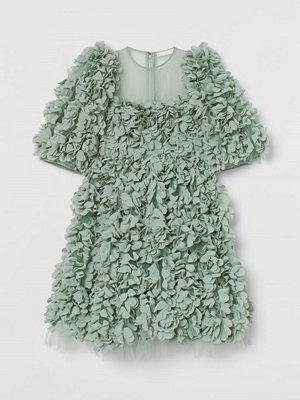 Festklänningar - H&M Klänning med textilblommor grön