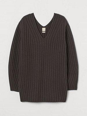 H&M Ribbstickad ulltröja grå