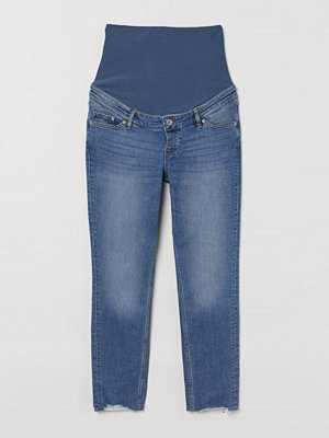Jeans - H&M MAMA Girlfriend Ankle Jeans blå