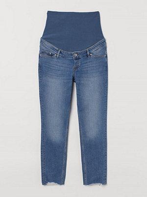 H&M MAMA Girlfriend Ankle Jeans blå