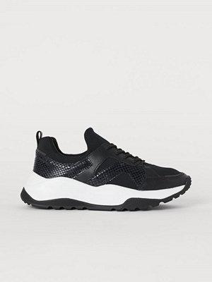 H&M Sneakers i mesh svart