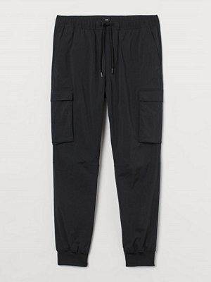 H&M Cargojoggers Slim Fit svart