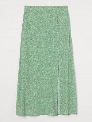 H&M Kjol i viskos grön
