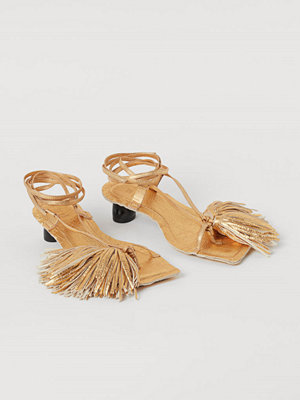 Pumps & klackskor - H&M Metallcoatade sandaletter guld