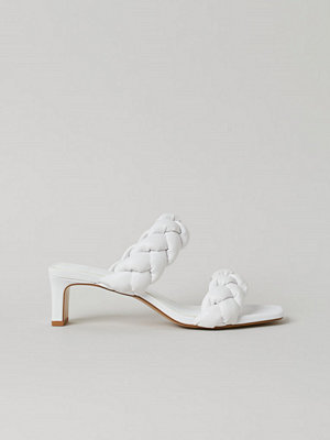 Pumps & klackskor - H&M Flätade sandaletter vit