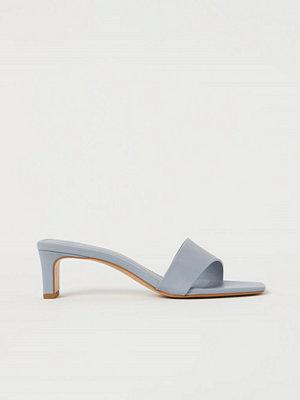 H&M Slip in-sandaletter grå