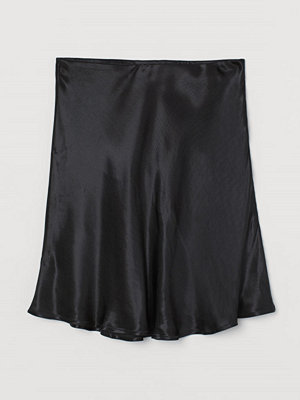 H&M Kort satinkjol svart