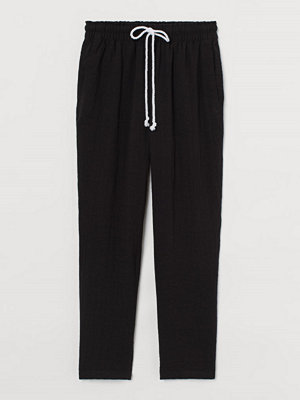 H&M svarta byxor Pull on-byxa i viskosmix svart