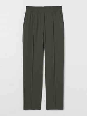 H&M byxor Dressad byxa grön