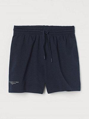 H&M Sweatshirtshorts med tryck blå