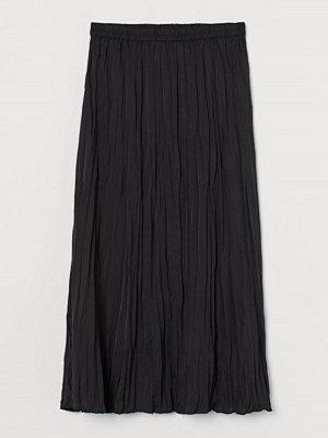 H&M Krinklad kjol svart