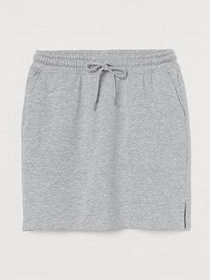 H&M Kort sweatshirtkjol grå