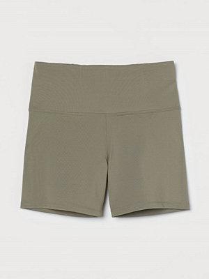 H&M Hotpants High Waist grön