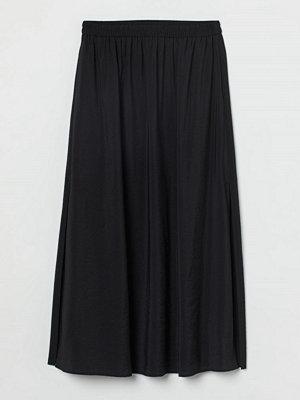 H&M Lång kjol med slits svart