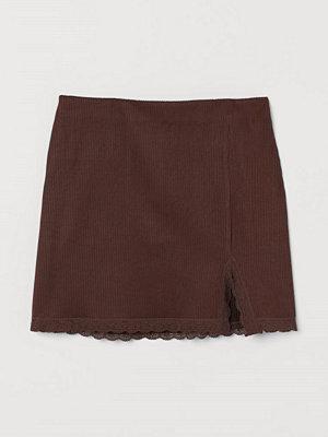 H&M Figurnära trikåkjol brun