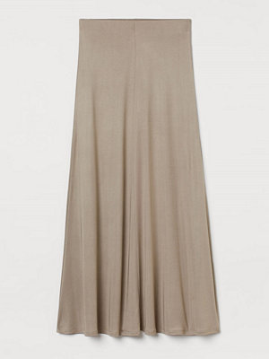 H&M Lång kjol i silkesmix beige