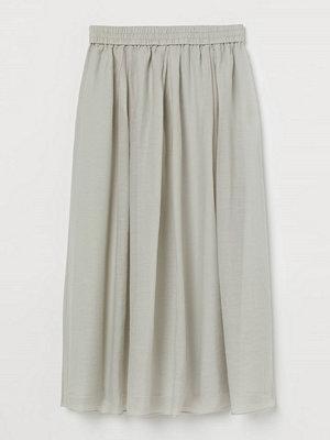H&M Cirkelskuren kjol grön