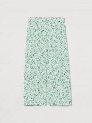H&M Kjol med knäppning grön