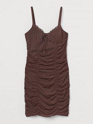 H&M Draperad klänning brun