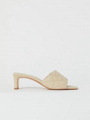 H&M Quiltade sandaletter beige