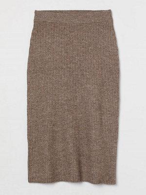 H&M Stickad kjol brun