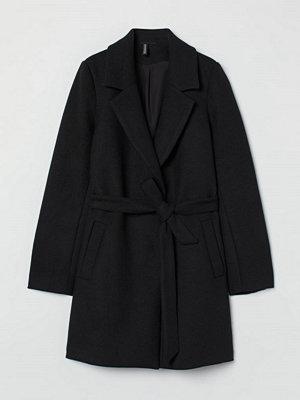 H&M Kappa med knytskärp svart