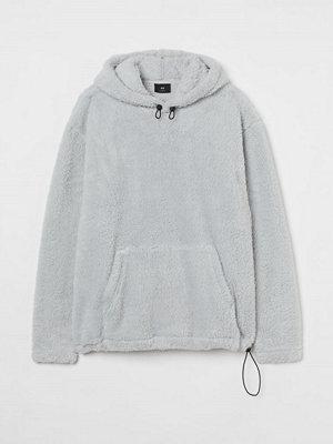 H&M Huvtröja i pile Relaxed Fit grå