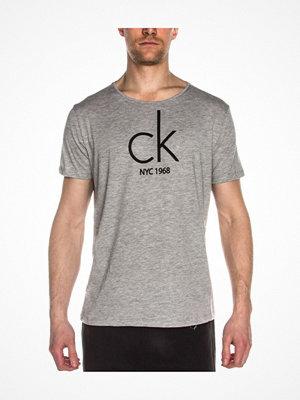 Calvin Klein CK NYC Relaxed Crew Tee Grey