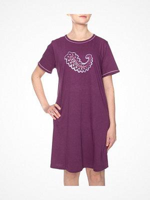 Damella Paisley Print Nightdress Plum