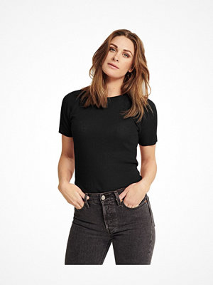 Pierre Robert X Jenny Skavlan Wool T-Shirt Black