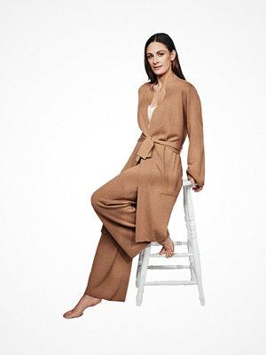Pyjamas & myskläder - Pierre Robert X Jenny Skavlan Wool Long Kimono Camel