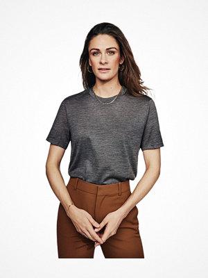 Pyjamas & myskläder - Pierre Robert X Jenny Skavlan Wool Wide T-Shirt Darkgrey