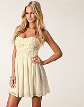 Elise Ryan Cornelli Lace Dress