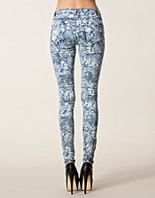 Vila Cleavo Paisly Denim Pants
