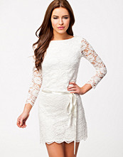 Klänningar - John Zack Low Waist Scalloped Hem Lace Dress