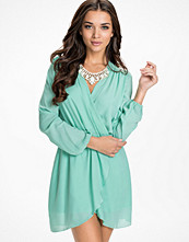 Klänningar - Love Long Sleeve Wrap Dress