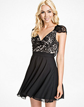 Klänningar - Elise Ryan Lace Gorgette Eyelash Back Skater Dress