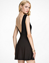 Klänningar - Club L Essentials V Back Drop Arm Skater Dress