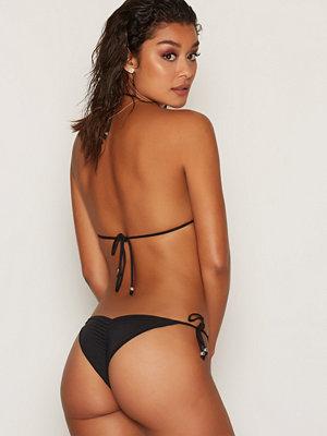 NLY Beach Ruffle Brazilian Panty Svart