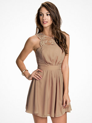 Elise Ryan Chiffon Skater Dress Nude