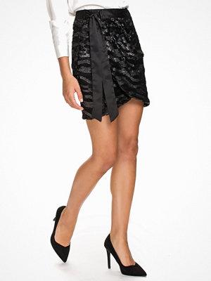 NLY Trend Sharp Wrap Skirt Svart